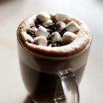 Receita: Chocolate quente com conhaque, por Flávio Federico