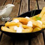 Receita: Batata frita com molho holandês, por Chefs' Academy