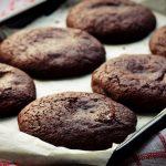 Receita: Cookies de abacate e chocolate, por Jamie Oliver