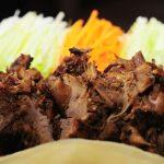 Receita: Pato crocante à sichuan, do restaurante Mee