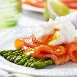 Receita: Salmão defumado com aspargos, por Jamie Oliver