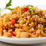 Receita: Salada de arroz vermelho com carne seca e pupunha, por Lourdes Bottura