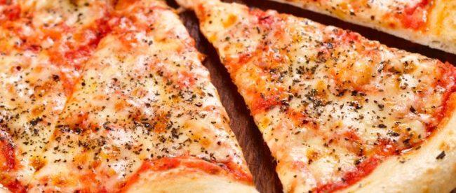 Receita: Pizza caseira, por Mini Gourmet