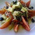 Receita: Salada Grega, por Rafa dos Santos