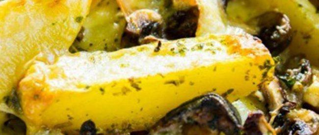 batatas assadas com cogumelo e queijo cremoso